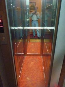 I seen deadman's lifts bigger than this!